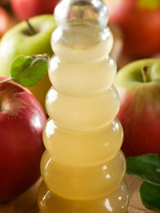 6 Ways to Use Apple Cider Vinegar! Quickly becoming a magic product!!