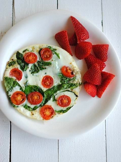 Tomato Spinach and Egg White Omelet-Yummy Egg White Recipes