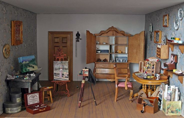 Craftroom in my dollhouse that I build in a display cabinet