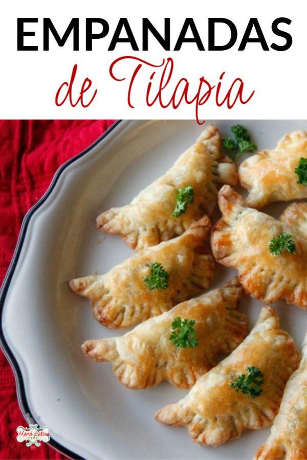 Estas empanadas son excelentes como botana o plato fuerte durante la cuaresma. Están rellenas de tilapia cocida con aceitunas, alcaparras y verduras. Son además más ligeras porque no van fritas sino horneadas. Una receta fácil y sencilla. #empanadasdepescado #recetasdecuaresma Empanadas, Cauliflower, Chicken Recipes, Vegetables, Fit, Tinkerbell, Easy Recipes, Olives, Oven Baked Tilapia