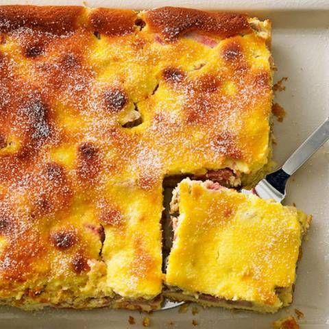 Rhabarberkuchen mit Vanille-Quark-Guss   BRIGITTE.de