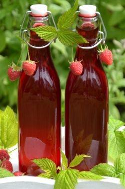 Raspberry Liqueur | Nalewka Malinowa (in Polish)