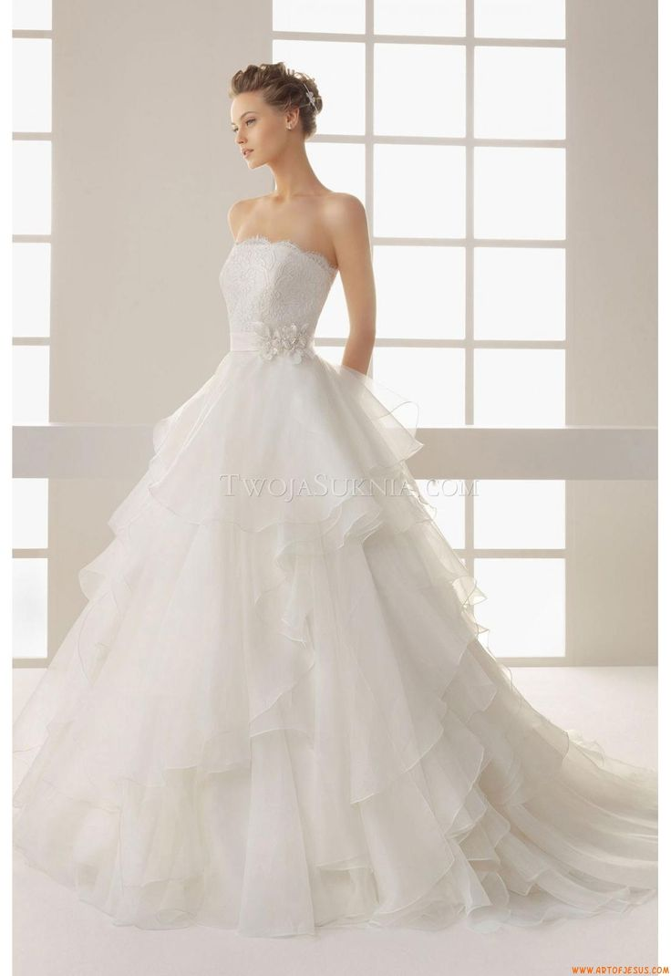 123 best wedding dresses custom made uk images on pinterest wedding dress rosa clara 125 dehesa two 2013 ombrellifo Image collections