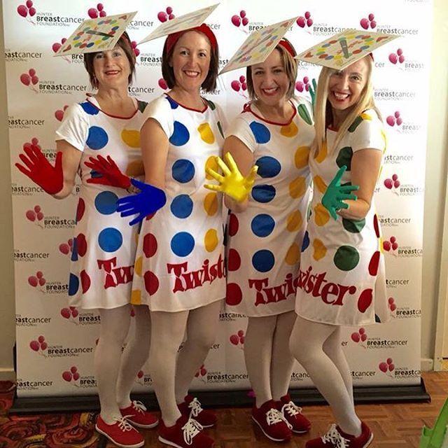 Twister-Kostüme waren ein Hit bei Divas on the Green, einem Charity-Golftag. Herzlichen Glückwunsch an Kerri-Ann und ihre Freunde, die den ersten Preis für die beste …