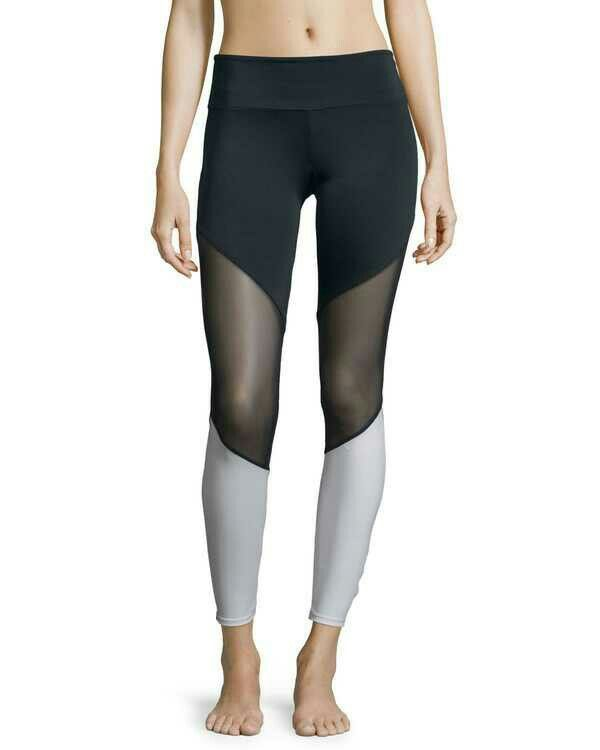 Legging #sports #clothing #apperal #girls #jogger #bra #fitness #fitfam #fitspo #motivation #workout #workoutvideo #legday #gym #gymwear #leggings #abs #diet #prep #bodybuilding #aesthetics #gains #gainz #nutrition #healthy #physique #girlswholift #tutorial #glute #bootybuilding #bodygoals #squats #glutes #curves #curvygirl #gymaholic
