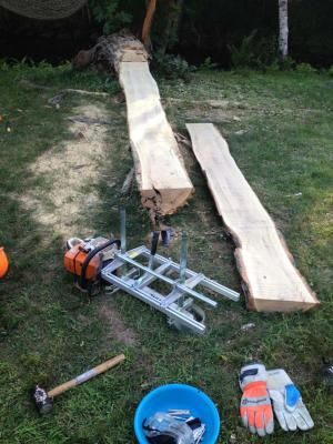 No bar drilling is necessary! Cut beautiful slabs in thicknesses from 1/2in. to 12in. with the Granberg portable lumber mill