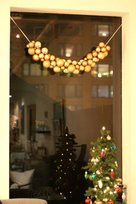 {diy christmas ornament garland}