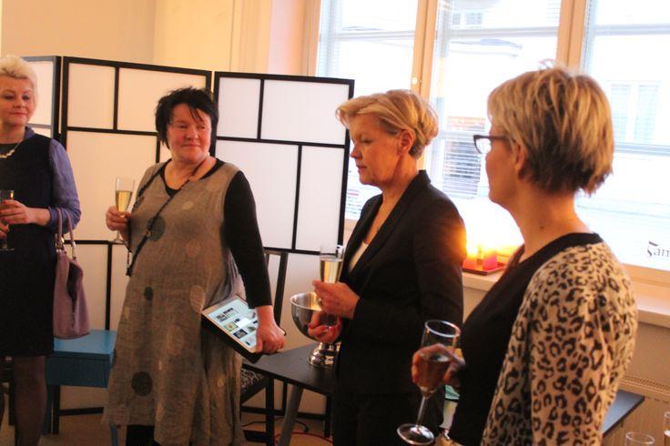 Työelämä 2020 hankkeen hankejohtaja Margita Klemettei ja Kuntoutussäätiön toimitusjohtaja Soile Kuitunen