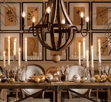 Luv this Christmas table setting! Mélange of Rustic, Classic and Glam- what a beautiful trifecta 🌟 #Christmas #homedecor #interiordesign #christmasdecor #diningroom