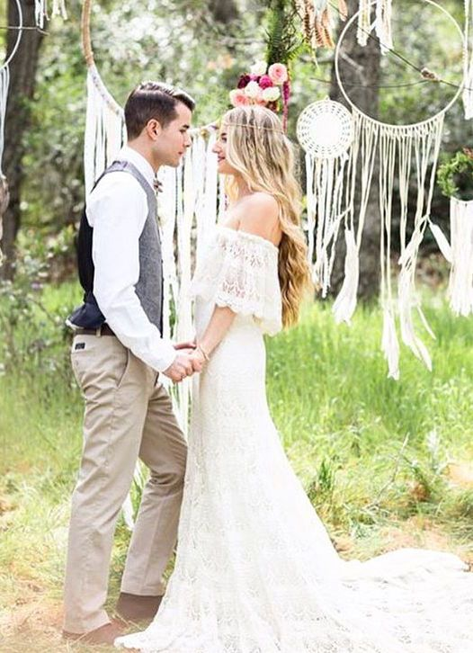 These boho weddings are simply breathtaking. #Wedding #BohoWedding #TieTheKnot
