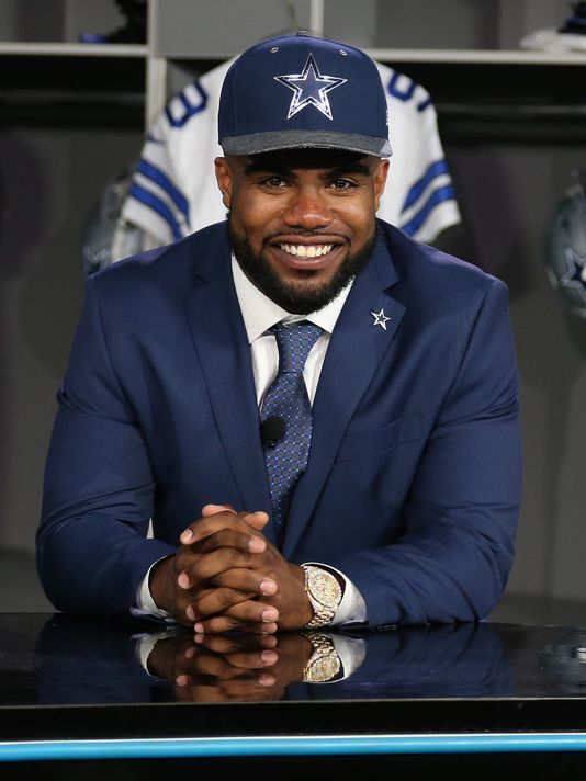Ezekiel Elliott hopes to be next in line of Cowboys greats