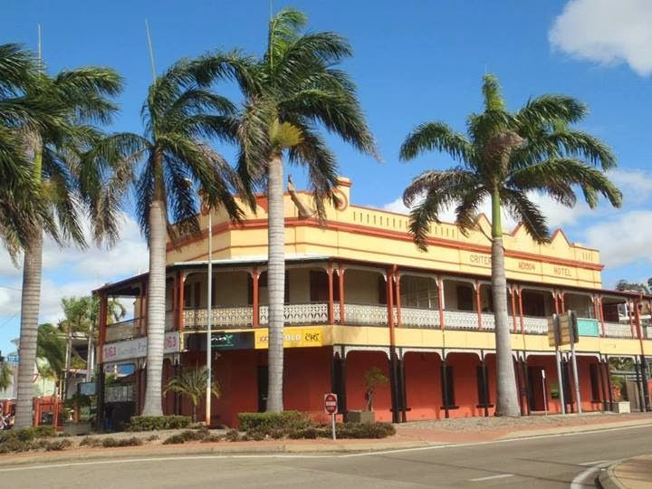 Townsville, Queensland , Australia. Gorgeous old Queenslander style architecture as seen at this pub/tavern Travel Blog: http://varietyisthebeautyoflife.blogspot.com.au/