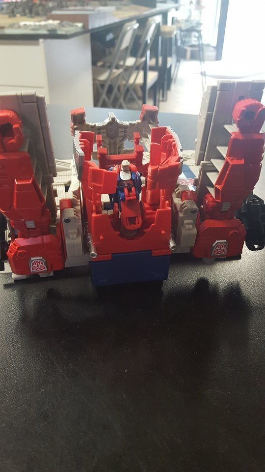 New Titans Return Powermaster Optimus Prime Images Show Base & Unknown Mode