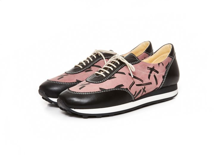 http://shop.terhipolkki.com/product/olive-sneaker-rose-black