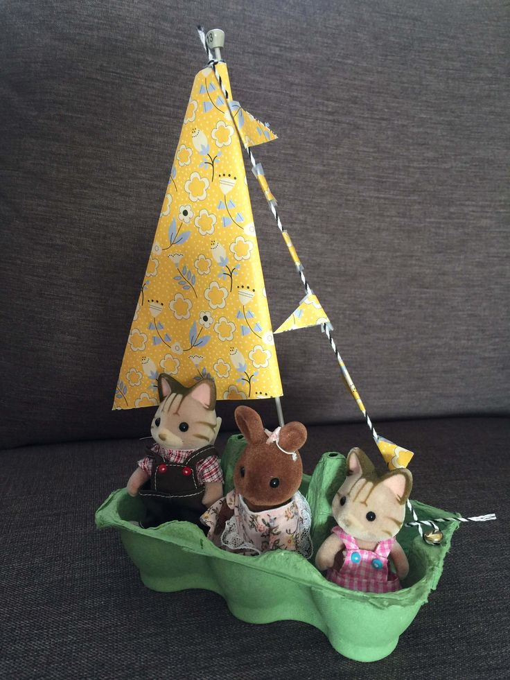 Sylvanian Families egg box boat craft
