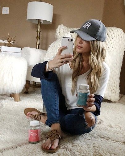spring fashion, casual outfit, baseball game outfit, basketball game outfit, football game outfit