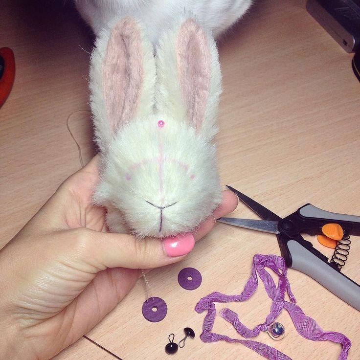 Скоро новый забавный зайчик! Не переключайтесь)) #авторскаяигрушка #кролик #тедди #jullitoy #toy #teddyrabbit #rabbit #