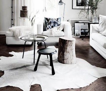 Az ipari jellegű enteriőrök egyik jellemző kiegészítője a marhabőr szőnyeg. Valamirevaló indusztriál nappali, esetleg háló nem lehet meg egy ilyen nélkül. Nagyon tradicionális és modern egyszerre, jellegéből adódóan pedig minden darab egyedi.                  Ha itthon…