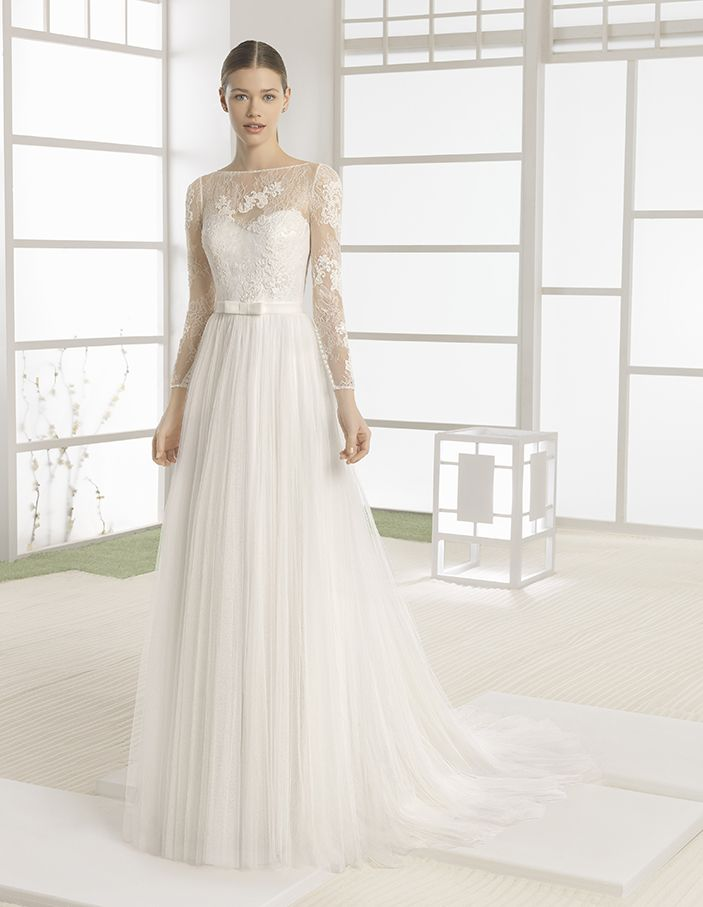 Welter - Lightweight dress with beaded lace bodice, soft tulle skirt, boat neckline and V-back, in natural.