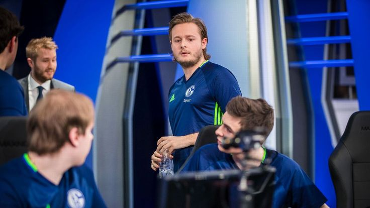 Schalke 04 announces scouting competition for League players http://www.espn.com/esports/story/_/id/17868064/league-legends-soccer-club-schalke-04-announces-scouting-day-competition #games #LeagueOfLegends #esports #lol #riot #Worlds #gaming