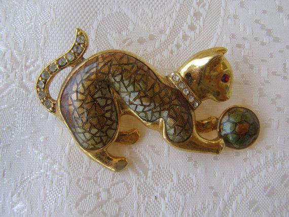 Cat brooch vintage cat brooch by Mpoulitsa on Etsy