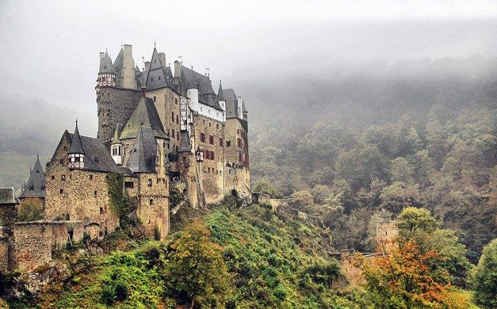 Os castelos mais assombrados do mundo