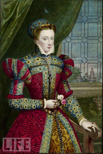 La joven reina viuda volvió a Escocia poco después, llegando al puerto de Leith el 19 de agosto de 1561