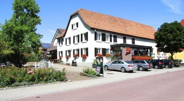Landgasthof Ochsen - 3 Sterne #BedandBreakfasts - EUR 51 - #Hotels #Deutschland #Sinzheim http://www.justigo.at/hotels/germany/sinzheim/landgasthof-ochsen-sinzheim_198547.html