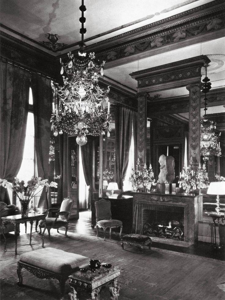 2948 best paris apartments images on pinterest parisian for Decoration maison 1930