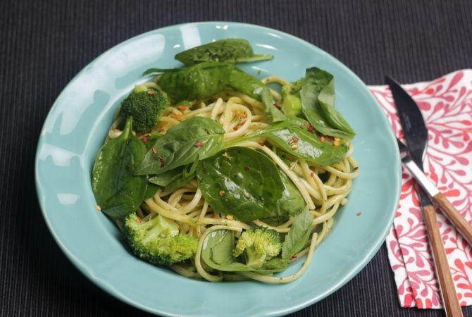 spanac, broccoli, pesto