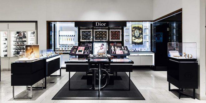 """ニーマン・マーカスにディオール・ビューティーブティックがオープン! """" Dior Beauty Boutique opened in Neiman Marcus """" #ハワイ #Hawaii Ala Moana Center http://www.poohkohawaii.com/beauty_health/neiman_dior.html   ハワイ最新情報満載!プーコのハワイサイト"""
