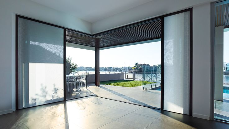 Block or filter light to create the perfect balance with Centor Integrated Doors. Shadforth Project | Sunshine Coast, Australia.