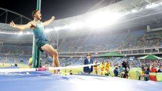 Thiago Braz Da Silva exulte après le saut qui lui offre le titre olympique