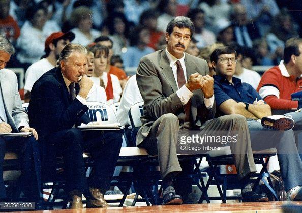 Fotografia de notícias : Bulls assistant coach Johnny Bach, left, and head...