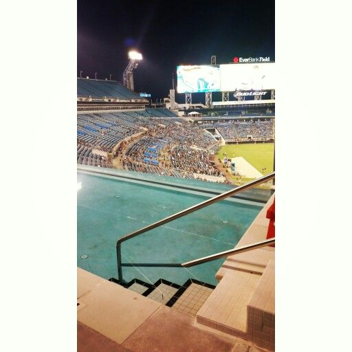Swimming pool at Everbank Field