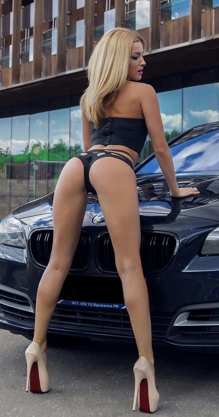 Sexy naked ladys with cars