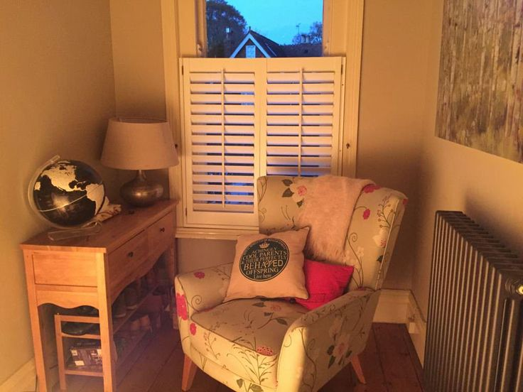 View our gallery of custom made cafe style window shutters from Shuttersouth…