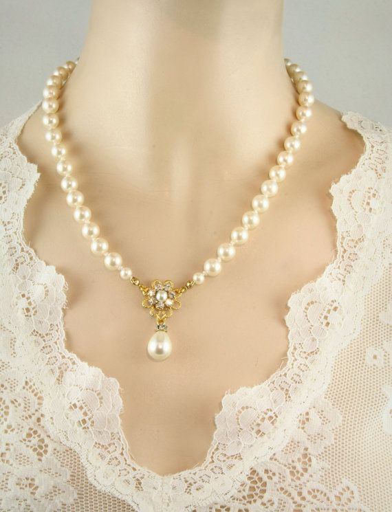 Bridal Pearls Necklace Drop Pearls vintage Necklace Crystal Rhinestone Gold Bridal Victorian Jewelry Wedding Pearls Golden Flower Necklace