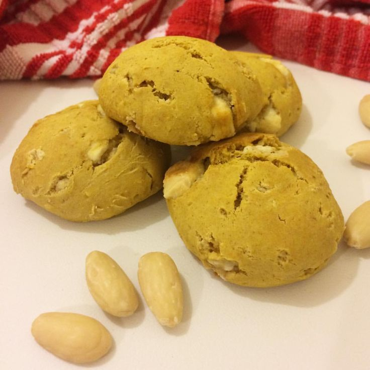 assaggiarelavitaapiccolimorsi: A grande richiesta: cookies con zucca, cioccolato bianco e cannella!