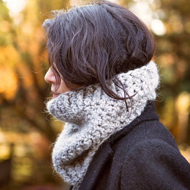 Ravelry: City Cowl pattern by Maria Valles