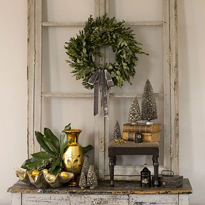 I like the whole thing ,but I would use silver not gold.: Vintage Christmas, Vintage Window, Old Window, Holidays Decor, Christmas Display, Christmas Decor, Rustic Christmas, Wreaths, Window Frames