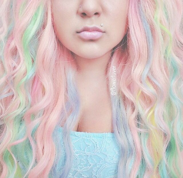 In love with her pastel mermaid hair x