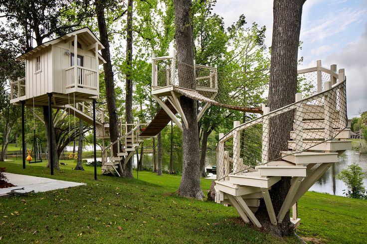 treehouse-austin-Transitional-Kids-Decoration-ideas-architectural-custom-footbridge-Home-kids-playhouse-large-large-tree-house-luxury-play-area-playset-rope ...