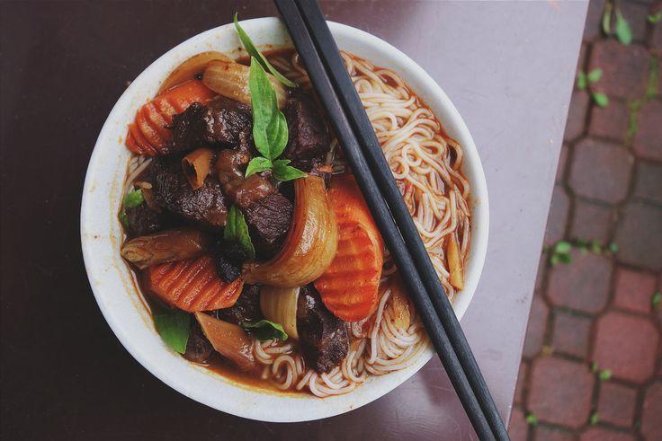 Przepisy kuchni azjatyckiej - wietnamskiej, tajskiej, koreańskiej, japońskiej i chińskiej.