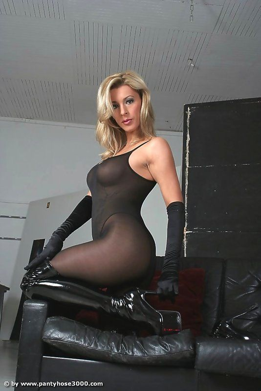 Lady In Pantyhose Model 58
