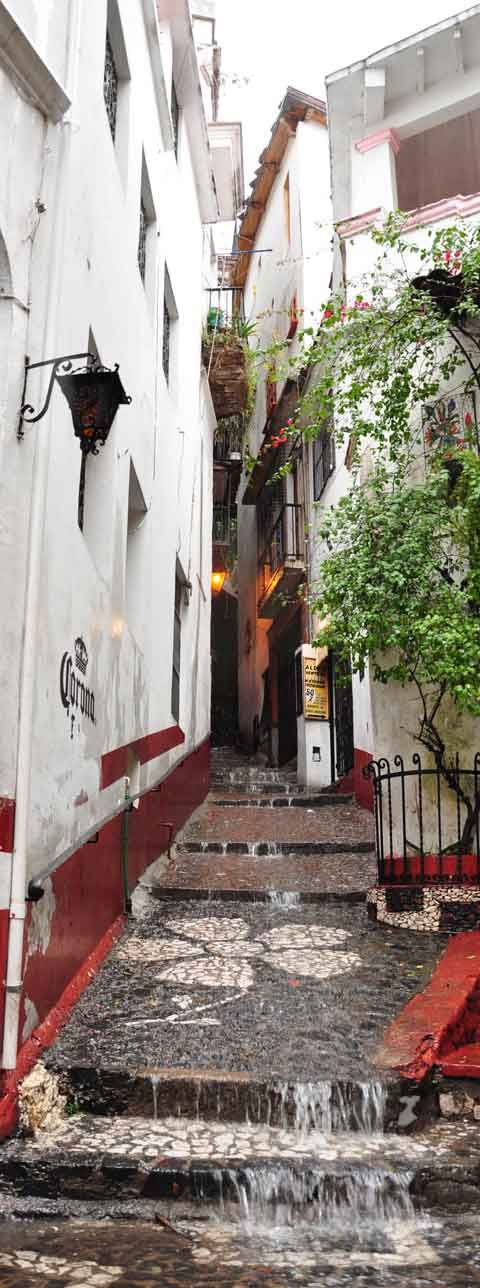 Raining day in Taxco | Mexico - Photo: Stunning Expressions