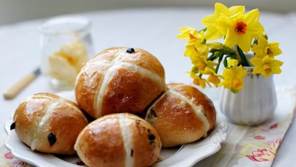 Traditional spiced, sticky glazed fruit buns with pastry crosses. Served as a classic Easter treat, the buns can also be enjoyed at any time of year.