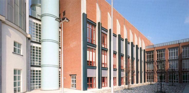 Aldo Rossi | Museo Bonnefanten | Maastricht, Holanda | 1995-1996