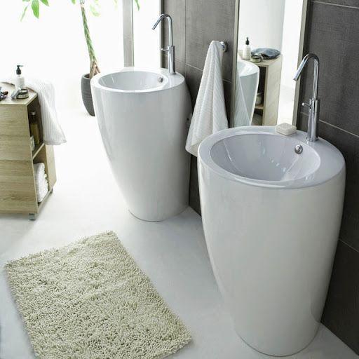 Accès d'angle douche et lavabo Totem chez Casto decodesign / Décoration