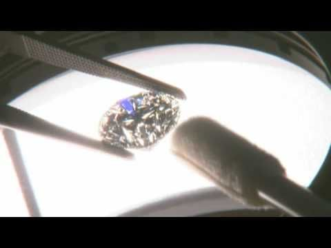 Learn how a Diamond is graded based on the 4 C's created by the Gemological Institute of America. - YouTube